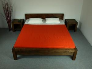 Postele a manželské postele